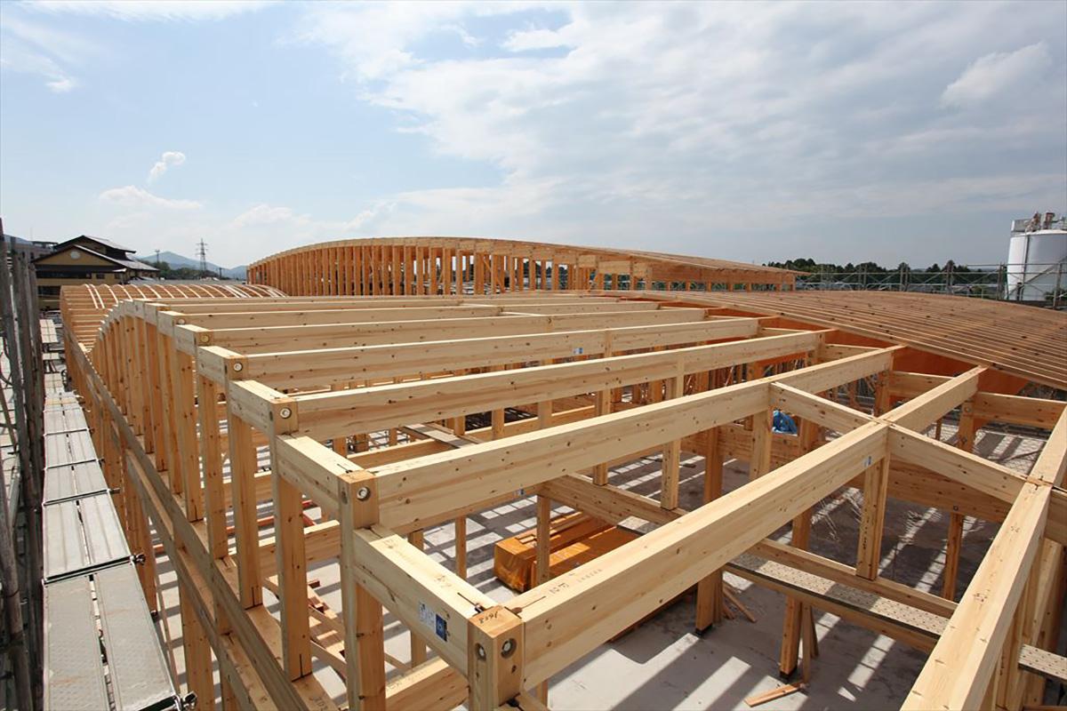 準耐火建築物であれば「燃え代設計」により木造の構造体を現しにできる ...