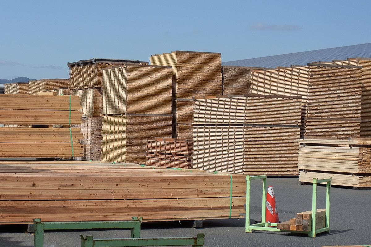 中大規模木造は材料の産地を限定するとコストや調達に大きな障害が出る事実 -