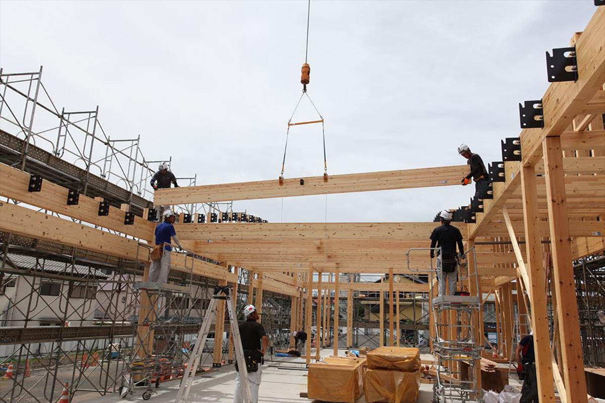 大規模木造で主に使われる工法は3種類。使い勝手が良いのは集成材構法 -