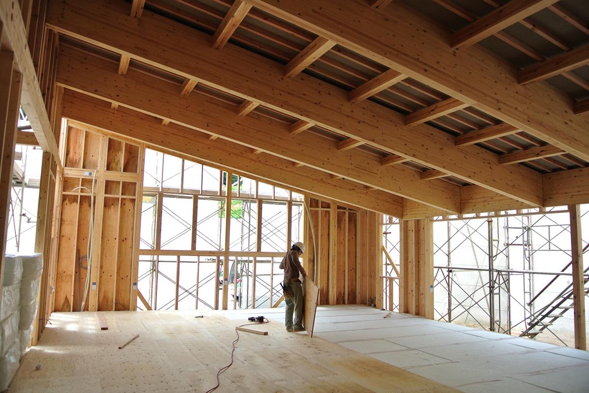 鉄骨造の危機で木造への転換が活性化!中大規模木造の方が鉄骨造より有利な理由 -