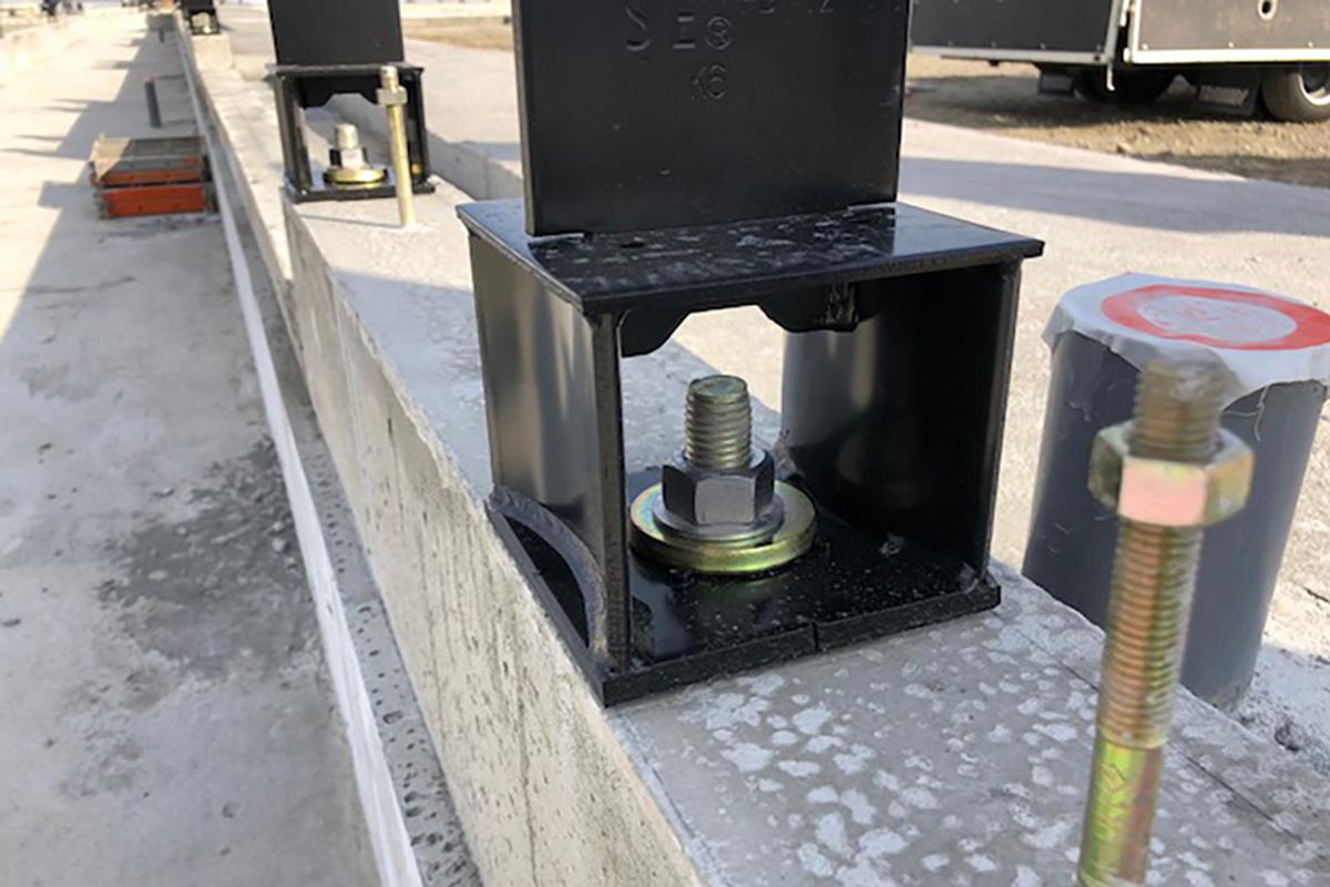 耐震構法SE構法の柱脚や接合部が強い理由はSE 金物とSボルト -