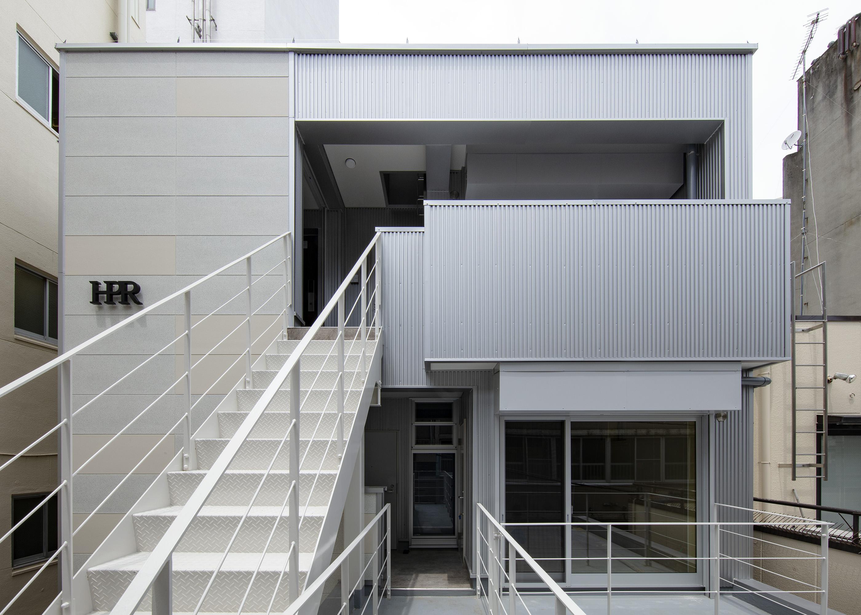 木造4階建ての事務所ビル「ヤマサ製菓ビルハピア豊橋」の意匠設計の特徴